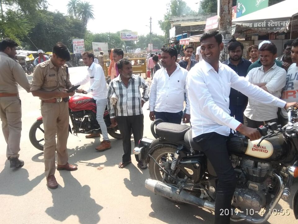 जालौन-उरई सीओ सन्तोष कुमार ने चलाया वाहन चेकिंग अभियान।