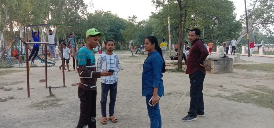 जालौन-महिला शक्ति टीम प्रभारी एसआई रानी गुप्ता ने सघन चेकिंग अभियान चलाया।