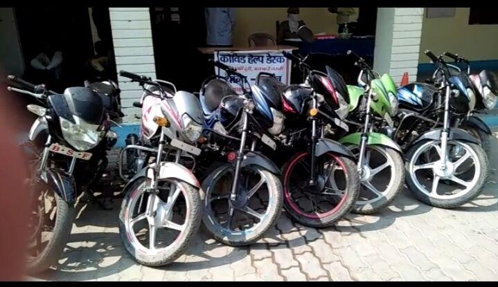 जालौन-कोंच पुलिस ने किया सराहनीय काम,मोटरसाइकिल चोर गैंग गिरफ्तार।