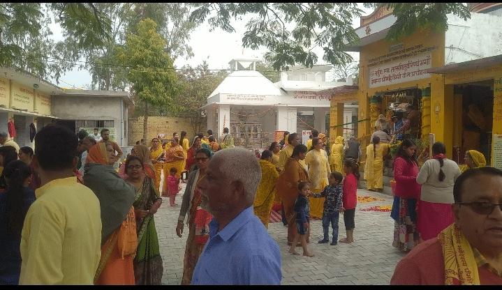 गायत्री शक्तिपीठ मंदिर में बसंतपर्व पर हर्षोल्लास के साथ मनाया गया श्रीराम शर्मा आचार्य जी का आध्यात्मिक जन्मदिवस।