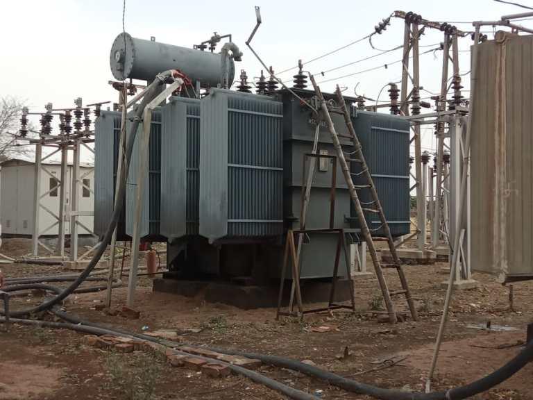 जालौन-ट्रांसफार्मर खराब होने से 45 गाँव की बिजली गुल गाँवो में पसरा अंधेरा।