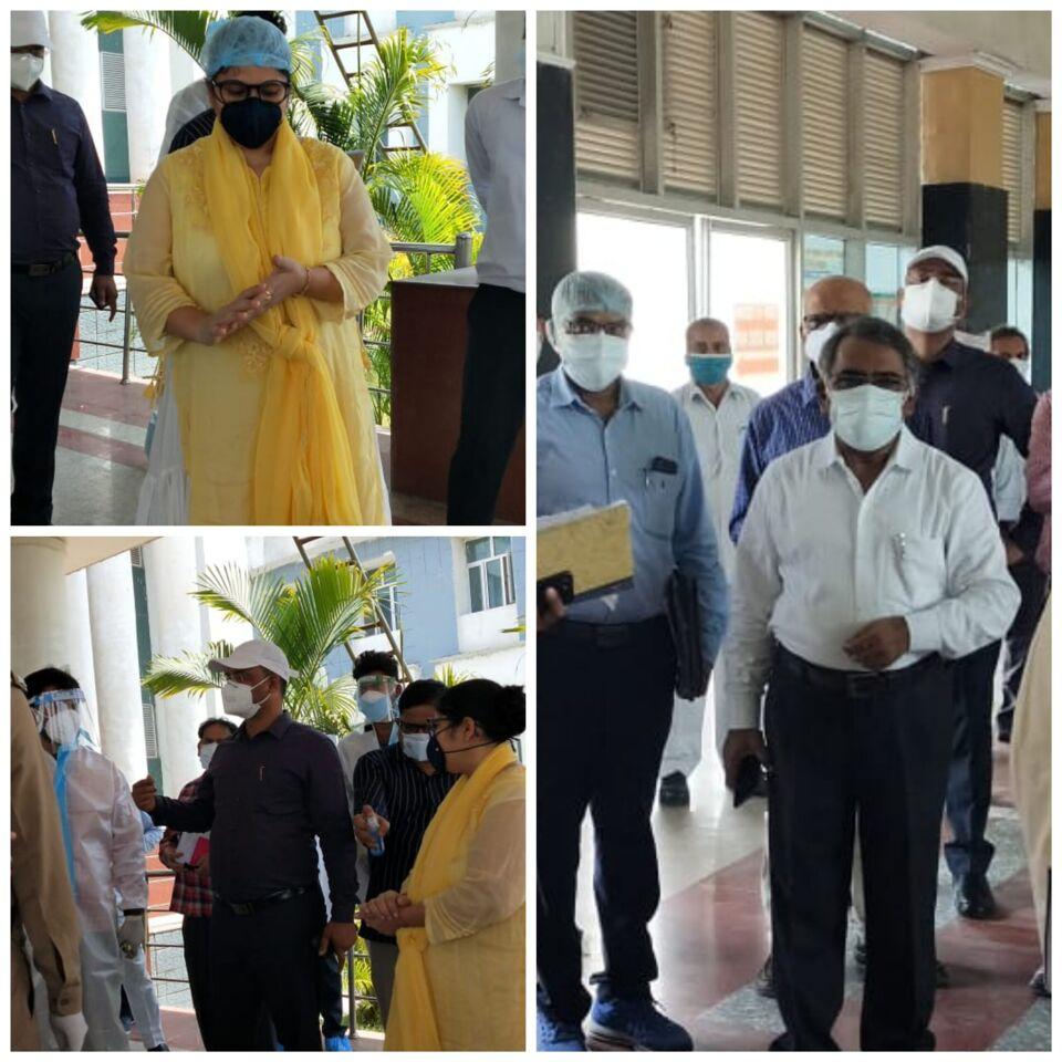 जालौन-जिलाधिकारी प्रियंका निरंजन ने राजकीय मेडिकल कालेज उरई का औचक निरीक्षण किया।